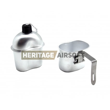US Water Bottle with Aluminium cup - reproduction